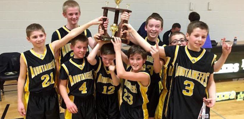 EA 5th and 6th Grade Boys' Basketball Teams End Season with Impressive Records
