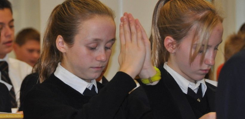 Everest Academy Students Renew Consecration to Jesus through Mary