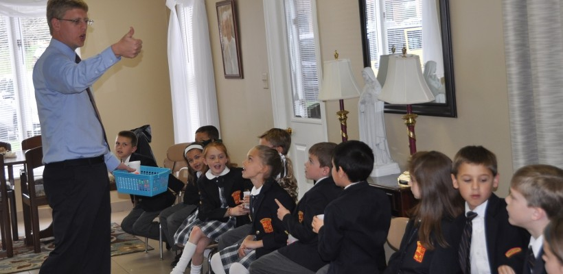 EA Kindergartners, First and Second Graders Shine in Public Class
