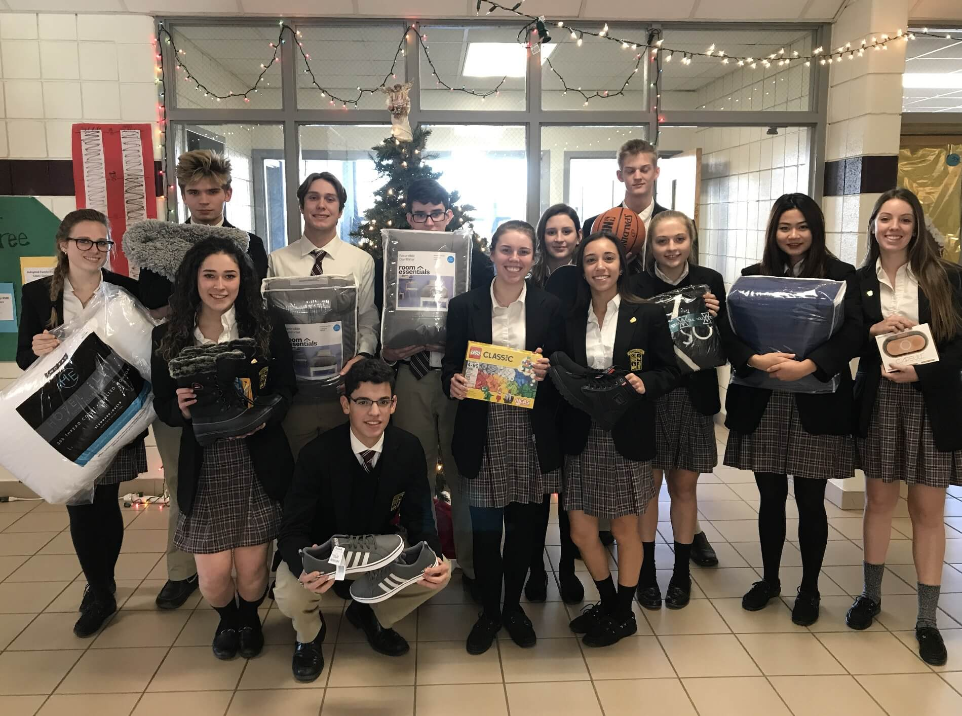 Giving Tree Campaign Provides Local Families in Need with Christmas ...