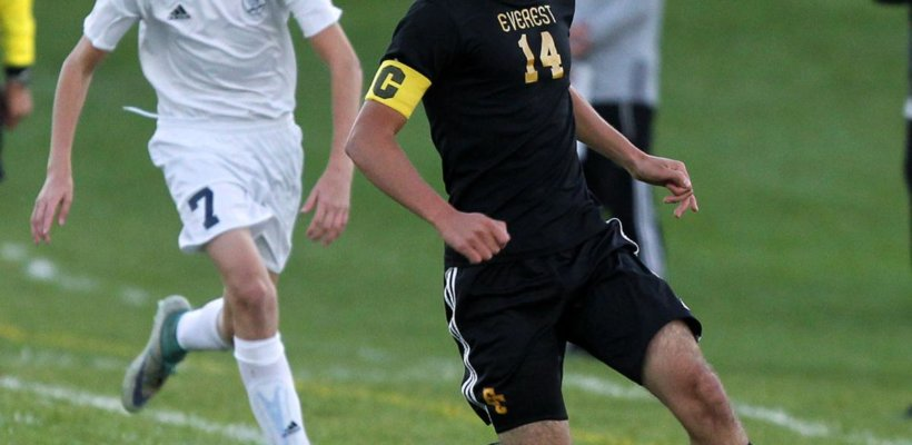EC Soccer Pursues District Title