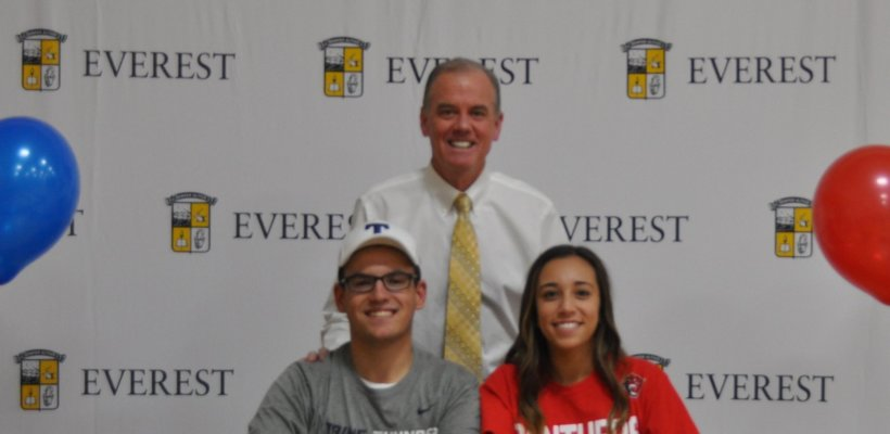 Five Seniors Sign